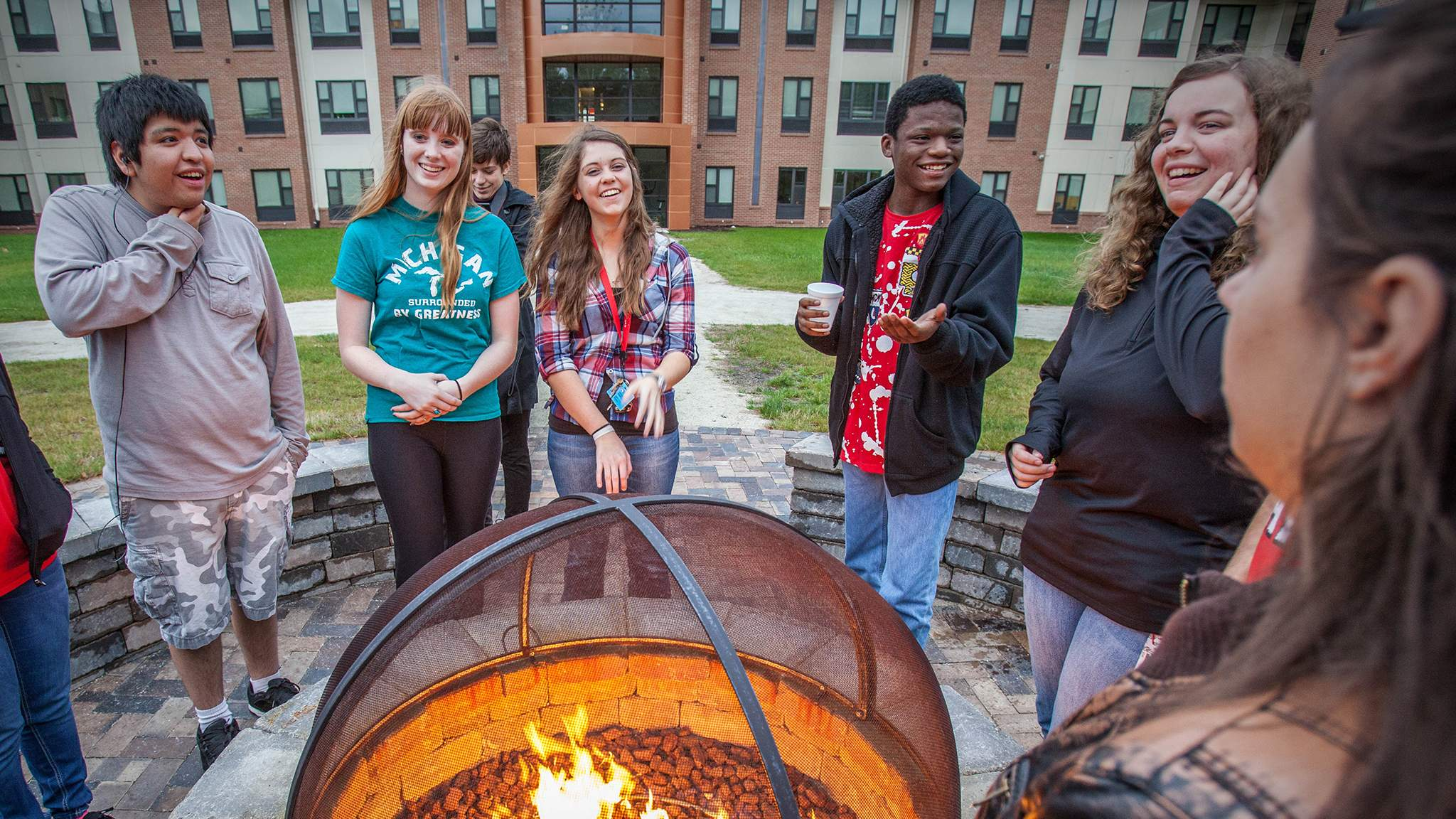 Students outside Beckwith Hall at campfire