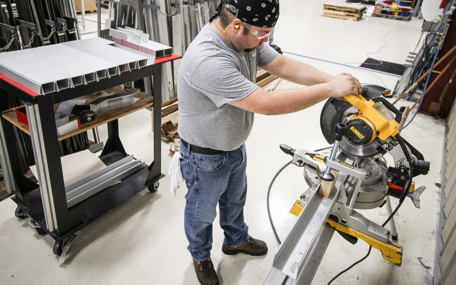 LMC alumnus working at Edgewater Automation