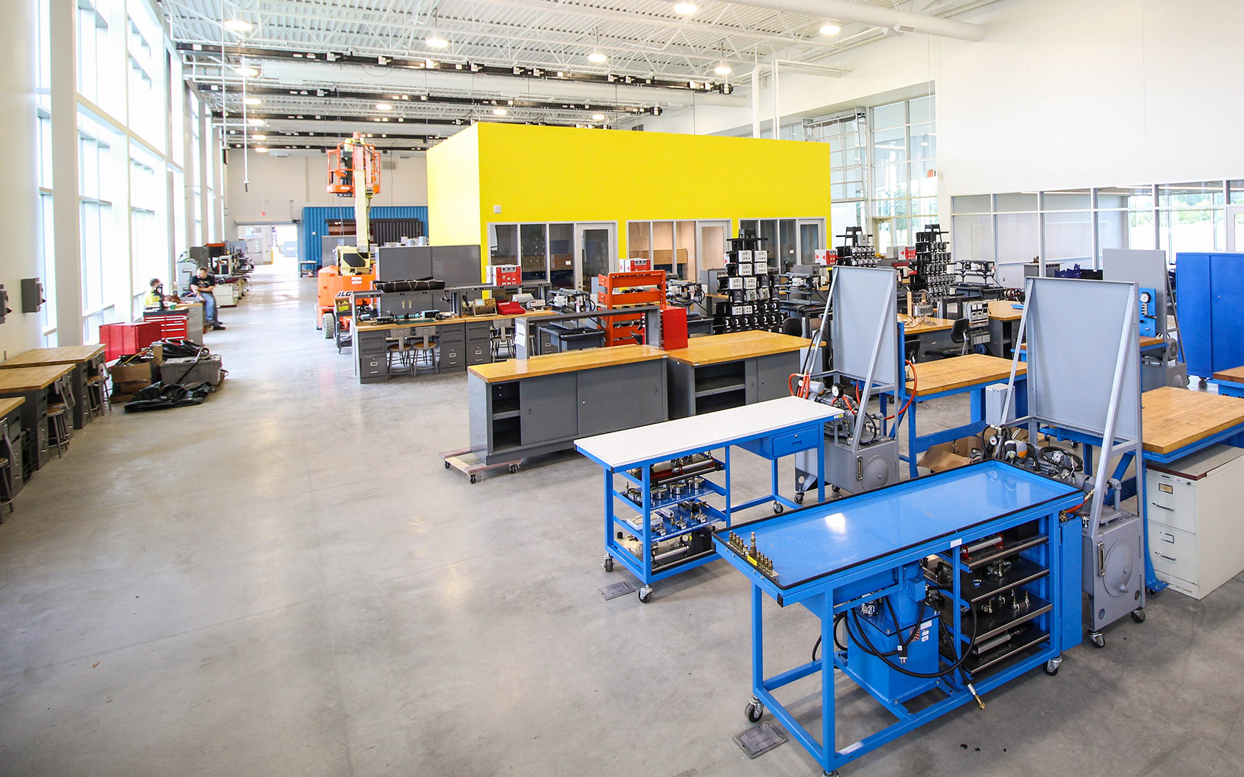 Manufacturing and Skilled Trades | Lake Michigan College on