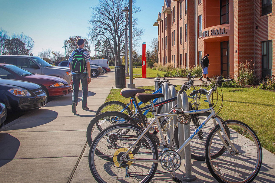 Bikes in front of Beckwith Hall on-campus housing
